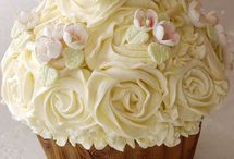 Cupcake / by Crystal Chesser
