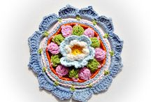 Crochet Flowers and Leaves / by Doria Sailer-Toedtli