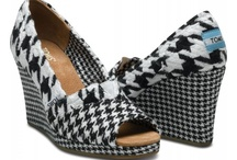 Houndstooth / Trend for Fall / by Liz Mitchell