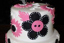 Cakes / by Kelli Stevens