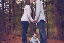Family Picture Ideas / by Ashley Fermin