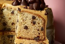 Cake Banana-Chocolate-Chip-cake with Peanut-Butter-Frosting / by Corinne Gaudet
