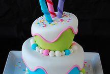 Cakes / by Julia Lanke