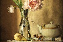 Outydse fleur / Die oumense kon tog so mooi toor met kant. Ou klere is weer nuut gemaak... met mooi kant en lint. / by Naomi le Roux