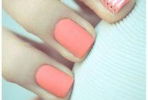 Pretty Nails / by Jillian Romanello
