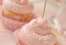 Cakes, Cupcakes & Cookies! / by Berné Jonker