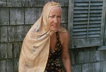 Grey gardens/ this fascinates me for some strange reason / by Sherry Wells Harris