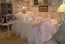My Dream Shabby Chic Room. / by Nancy Lehnen