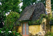 Houses / by Jennifer Cruz