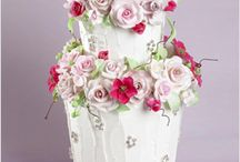 cake decorating / by Lisa Fischer