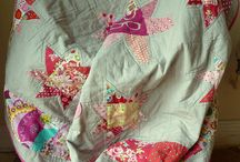 Quilts  I love / by Donna Rowley