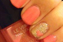 Nails / by Adriana D'Addosio