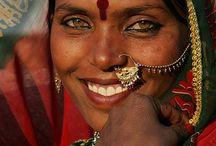 INDIA,NAMASTÉ / by Susana Castro