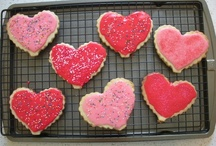 Love Shaped / Baked goods in the shape of a heart, just in time for Valentine's Day! / by Baker's Secret
