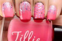 nail design / by Kim Hand