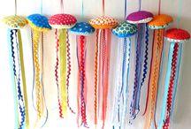 Craft Ideias With Felt / by Clarisse Pinheiro