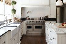 Kitchens / by Kimberly Tatum