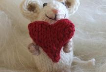 Knitted/cloth toys/toy making  / Knitted mice & other toy/craft inspirations / by Lily Williams