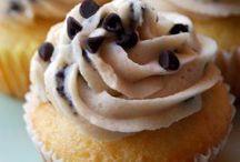 Cupcakes / by Julia Lanke