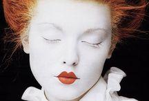 Make up! / by La Mandragola