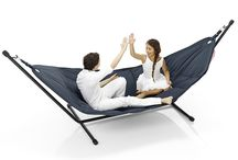 Headdemock / Hang out together! Another of Fatboy's extravagantly large designs, this luxury hammock the Headdemock easily has room for several people.  / by Fatboy