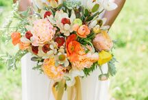Bouquets to Die For / by Donna Roberts