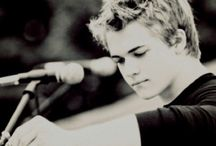 Hunter Hayes / by Lina Gonzo