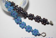 Beadweaving Tutorials / How to weave all those pretty beads together to make jewelry and other goodies! / by Jamie Spires