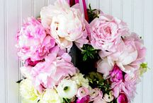 Floral Arrangements .pp / flower arrangements I love  / by Peonies and Poppyseeds