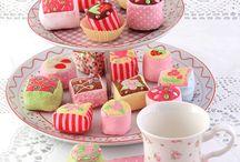 Creative Cupcakes, Cookies & Petit Fours / by Lezlie Morton