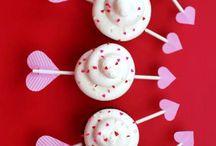 Valentine cupcakes & cookies  / by Mercedes Gutierrez