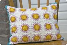 Crochet coussin / by Laetitia Colori