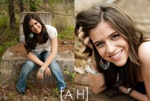 Female Senior Photography. / Poses for Photogenic, Seniors, or just a fun shoot by yourself! Awesome ideas! / by Megen Lowe