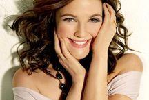Favorite Celebrities - Women / by Elizabeth Lapenta