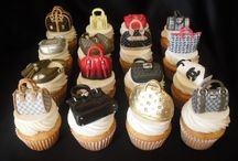 CAKES!! / by Lynette Ganesan