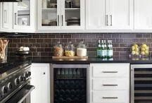 Kitchen / by Leda Lodin