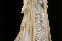 beautiful vintage lace dresses / by Jan Berry