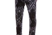 Womens Bermudas /  Наред с дамските дънки, дамските панталони са дреха, която е особено предпочитана от жените. Панталоните са практични, удобни и същевременно ви позволяват да ги комбинирате с различни дрехи, за да постигнете желания аутфит. В студеното време по-плътните панталони са много ценени, тъй като за разлика от полите и роклите предпазват от вятър и създават усещане за топлина. През по-топлите месеци обаче дамските панталони също не губят своята актуалност. / by Damski Drehi