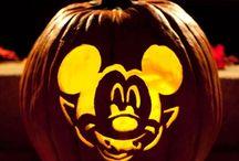 Pumpkin Carving Ideas / by Stephanie Mcilwain