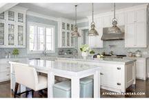 Kitchens / by Jennifer Bryarly