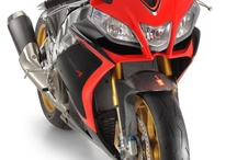 Aprilia RSV4 R APRC / From the queen of SBK Aprilia distils the perfect bike for the track days enthusiast gentleman rider. The only supersport bike which allows the rider to safely refine his riding ability thanks to the APRC dynamic control package. / by Aprilia Official
