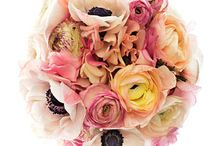 Beautiful Bouquets / by Wedding Favors