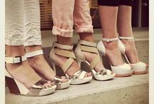 zapatos / by Mariana Munoz