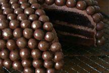 Cake / by Giaune Jackson