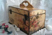 Caixas & cia. / Decupage ,vintage,handmade ... / by Moneti Lara