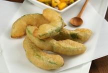 foodfoodfoodfoodfood!!! / by Julie Zachary