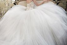 Wedding dresses / by Christina Jacobsen