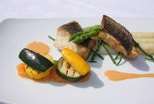 Culinair / Hotel Restaurant Oud London kent een lange gastronomische traditie. De warme, gastvrije sfeer en persoonlijke benadering staan garant voor een mooie ervaring. Of u nu kiest voor het restaurant, de brasserie, de bar of het terras, bij ons kunt u genieten van al het goede wat Hotel Restaurant Oud London te bieden heeft. Laat u verrassen door het beste uit de natuur met passie bereid door onze vakkundige keukenbrigade.  / by Hotel Restaurant Oud London