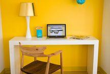 El despacho, para trabajar a gusto / Porque mientras no podamos dejar de trabajar, mejor hacerlo en un buen ambiente! / by alaloo .