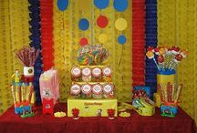 Curious George Bday Party / Curious George themed birthday party ideas: decor, food, etc. / by Baby Dickey